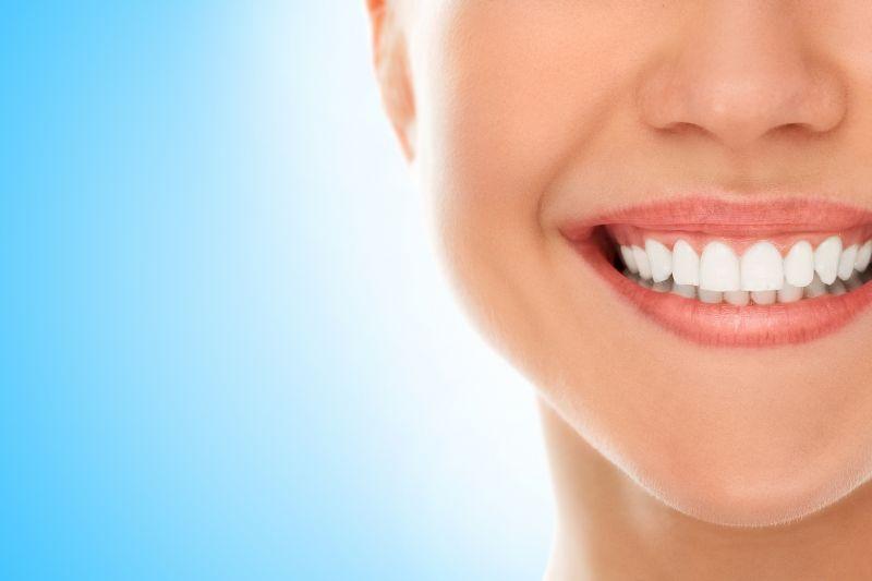 Que Ofrece Clinica Dental Queraltó en Sevilla