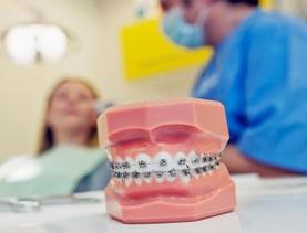 ahorra 300 € de dto. en tu tratamiento de Ortodoncia convencional