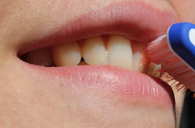 Cómo prevenir la aparición de enfermedades periodontales