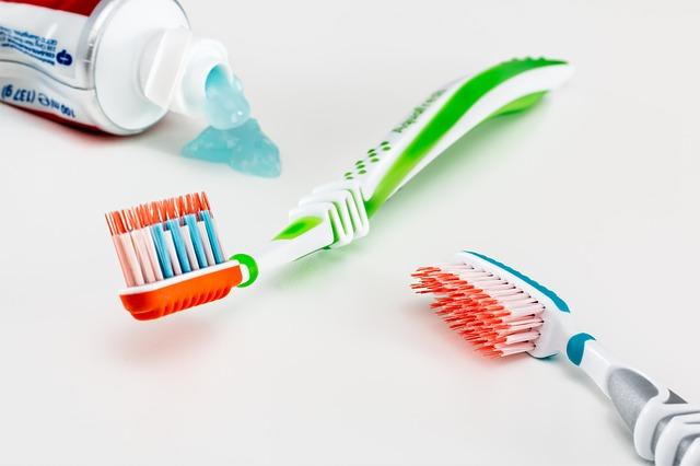 5 buenos hábitos para cuidar tu salud dental