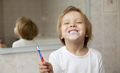 7 consecuencias de no lavarse los dientes correctamente
